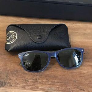 NEW // Unisex Ray-Ban Wayfarer Sunglasses